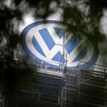 Volkswagen HQ raided by prosecutors