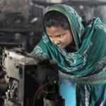 Protesting Bangladeshi workers set fire to garment factory