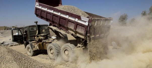 Dump-truck-from-wikipedia.jpg