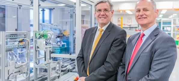 Siemens CEO Jeff Connolly and Swinburne Prof Aleksandar Subic