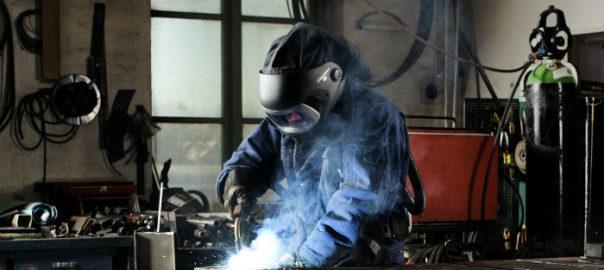 man-welding-with-9100-fx-air-3-604x270