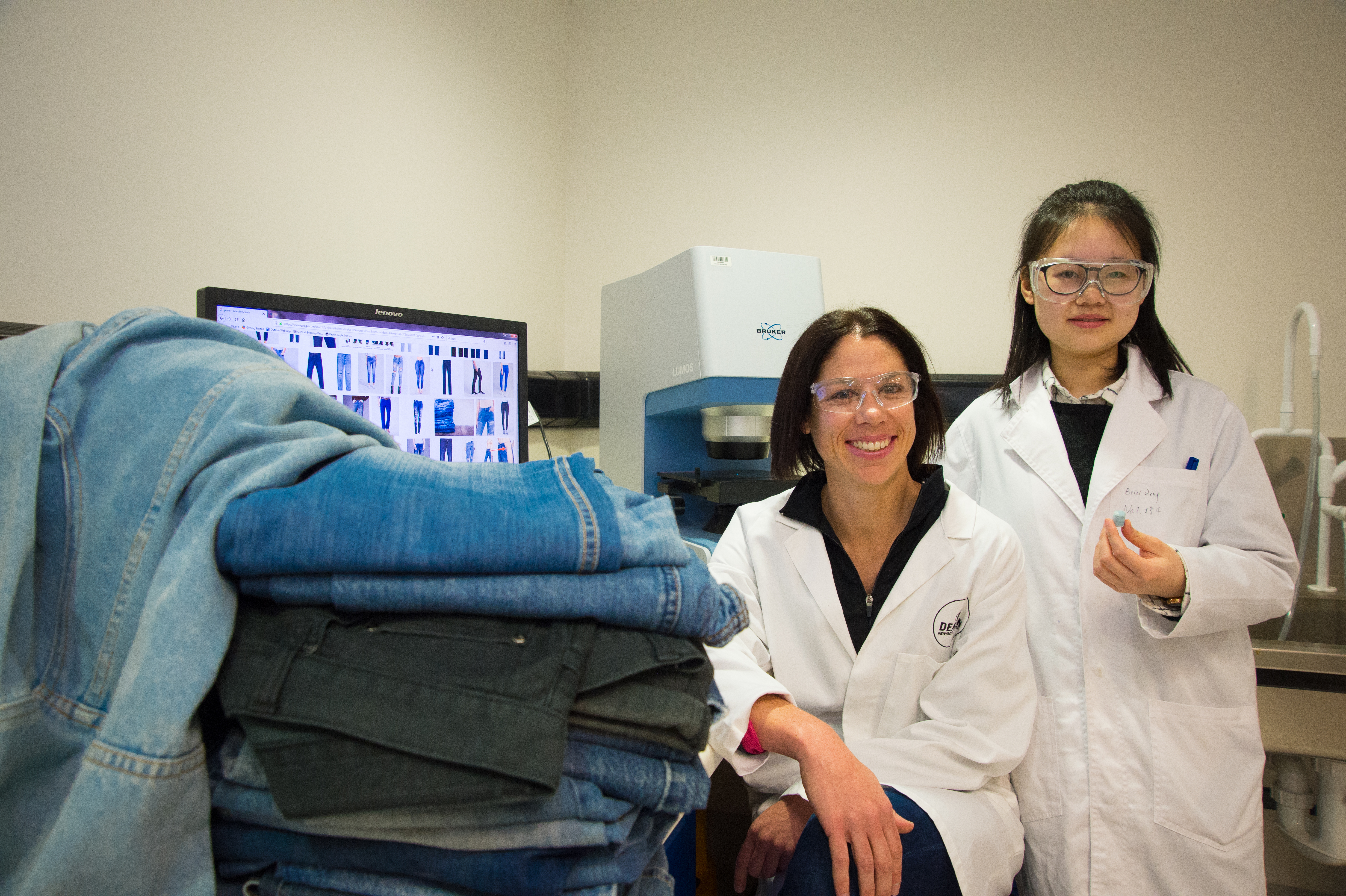 Deakin scientists Dr Nolene Byrne and PhD candidate Beini Zeng.