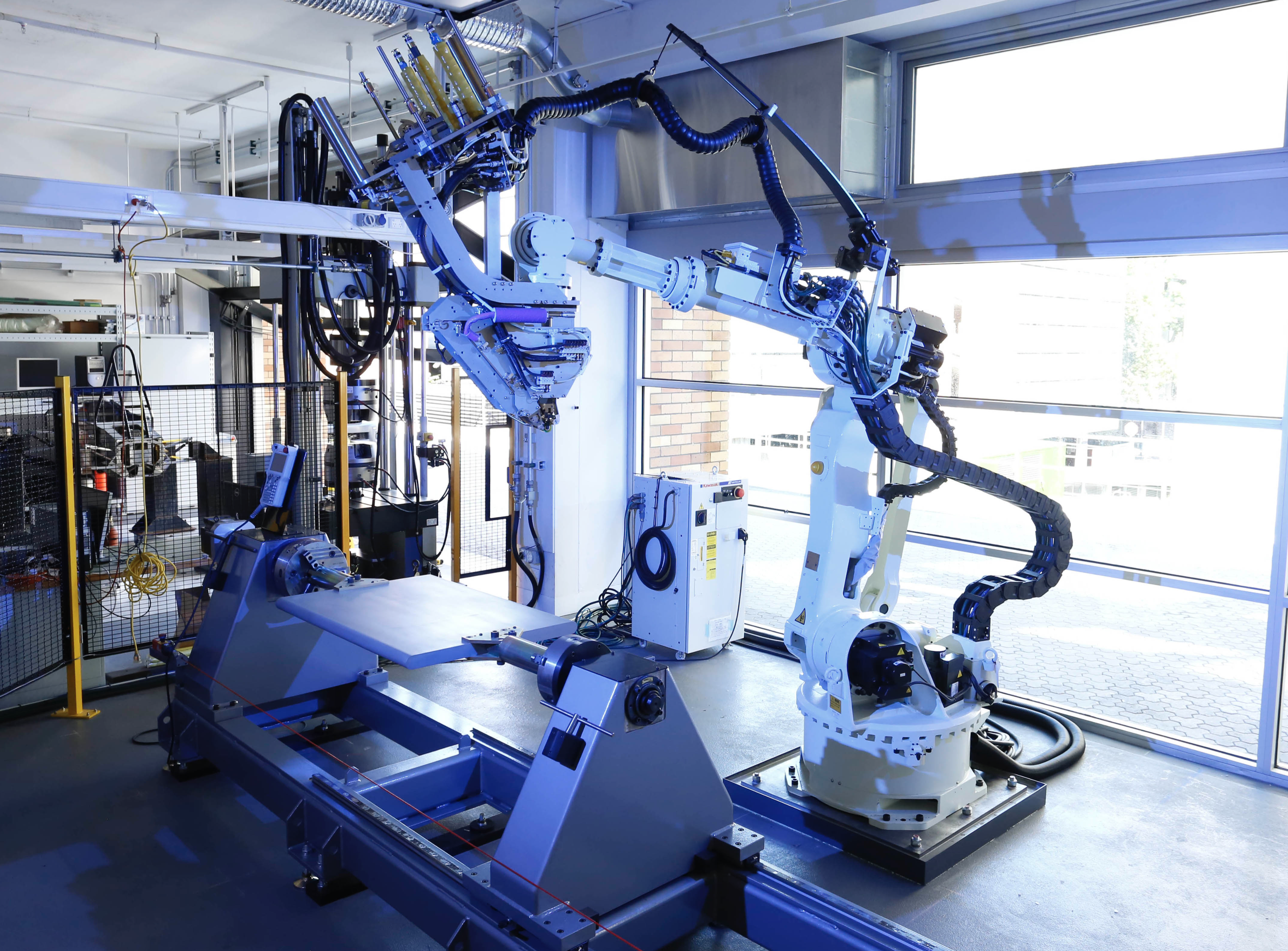 e Automated Fibre Placement (AFP) robot is the centrepiece of UNSW's AMAC laboratory.