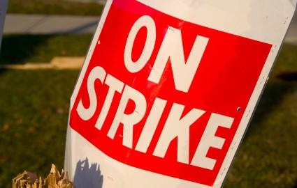 strike-sign_916bc225.jpg