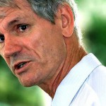 Activist Hutton to sue Clive Palmer