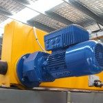 Synchronisation of drives for overhead cranes
