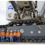 Timelapse construction of R9800 excavator for Thiess at Lake Vermont [video]